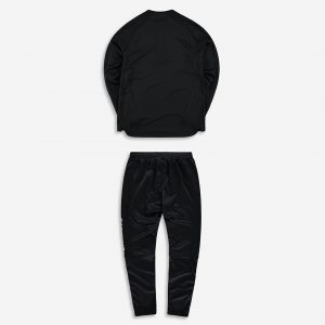 Performance_tracksuit_black_red